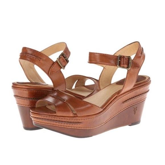 f59b4ba56ecab Frye Carlie Seam Cognac Leather Platform Sandals